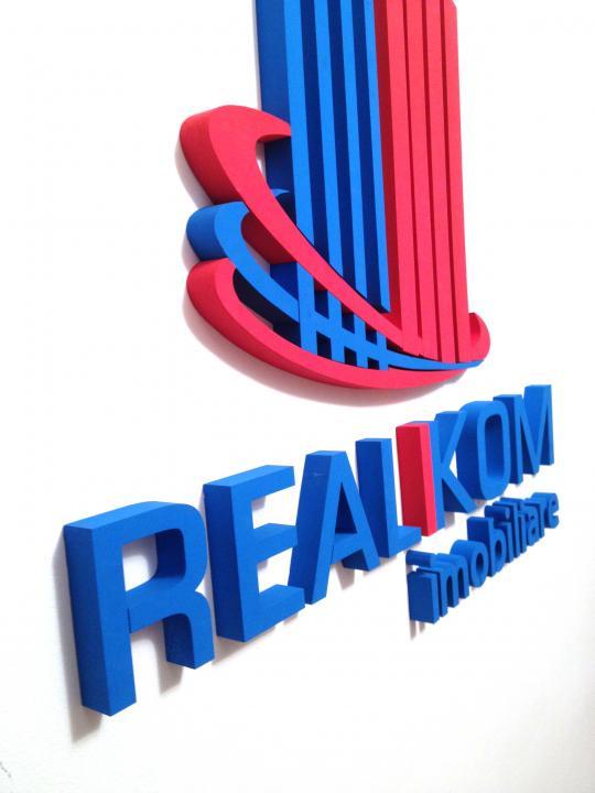 Garsoniera de Vanzare Unirii Camera de Comert Metrou Timpuri Noi    RealKom