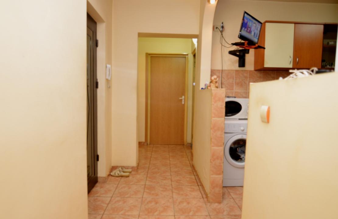 Apartament 3 Camere de Vanzare Tineretului Parc    RealKom