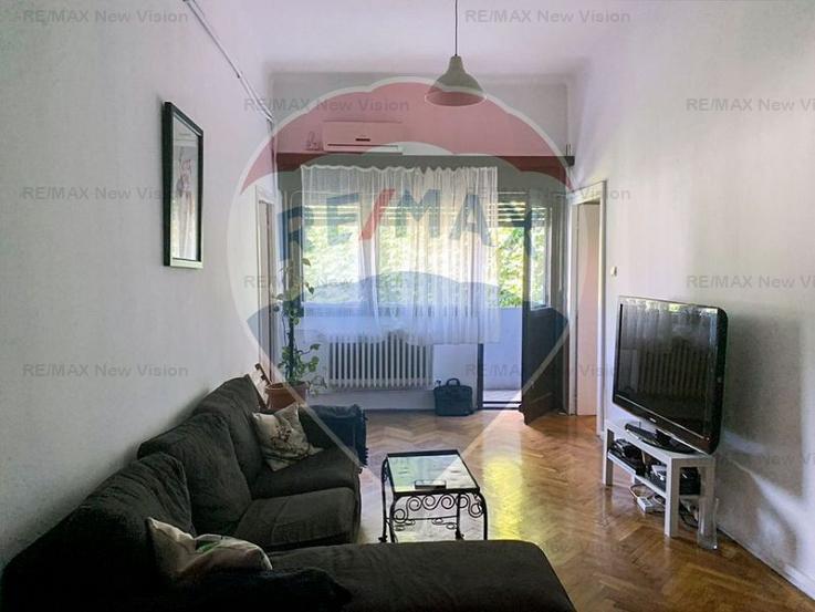 Apartament cu 5 camere de închiriat în zona Cismigiu