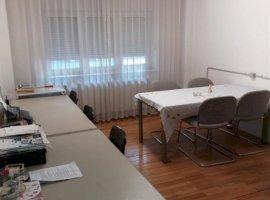 Apartament cu 3 camere zona Simion Barnutiu.