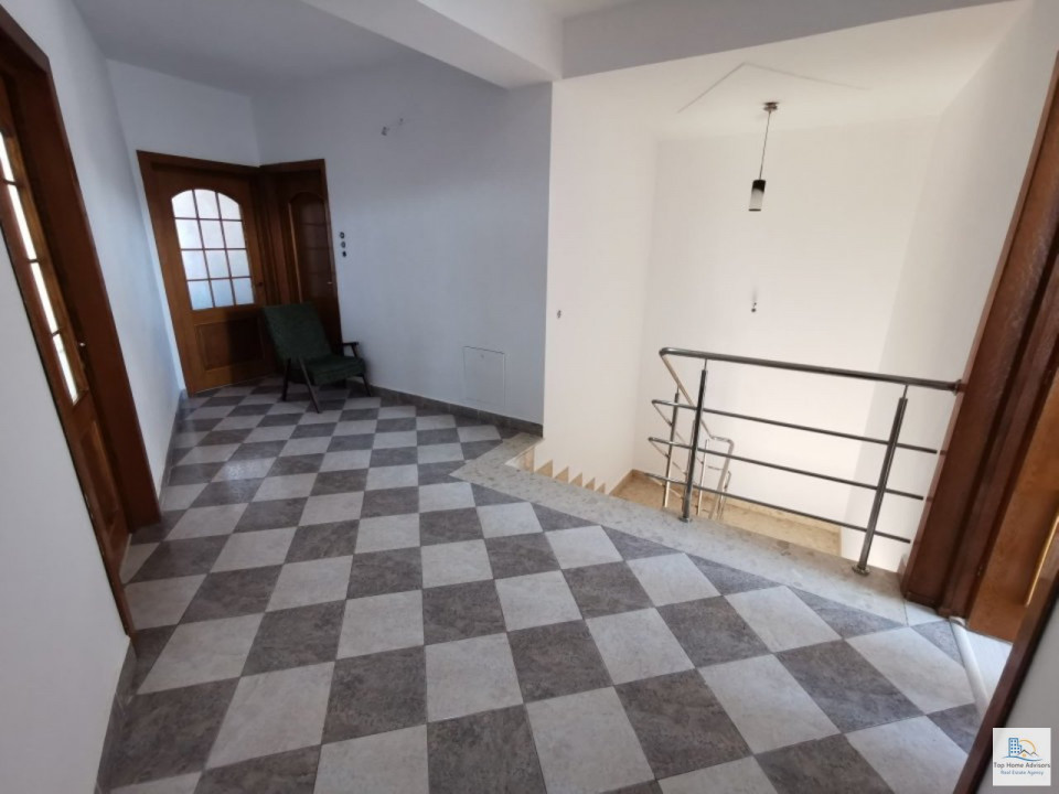 Vila D+P+2 Bucurestii Noi- Damaroia- Jiului pretabila firma/locuit