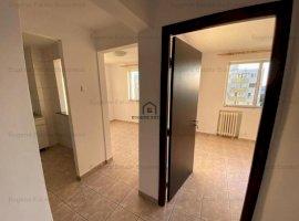 Apartament 4 camere renovat recent zona Lacul Tei