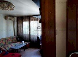 Apartament cu 4 camere de vanzare in zona Straja