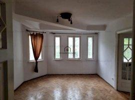 Apartament 3 camere in vila din perioada interbelica