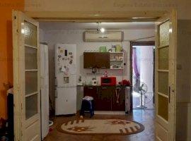 Apartament 3 camere, semidecomandat Piata Muncii