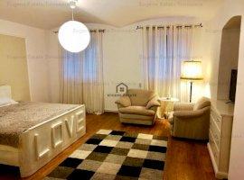Apartament 3 camere in imobil istoric zona centrala