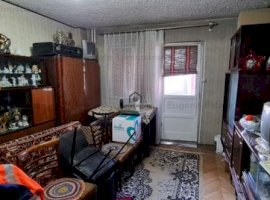 Apartament 3 camere, etaj 2, zona Dacia