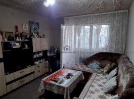 Apartament 4 camere, etaj 3, zona Dacia