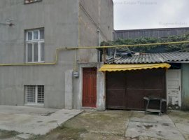 Apartament cu 4 camere, în Bălcescu