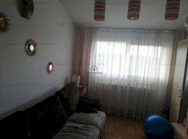 Apartament cu 3 camere pe 2 nivele, zona Aradului