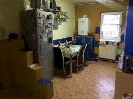 Apartament 4 camere, decomandat, zona Girocului
