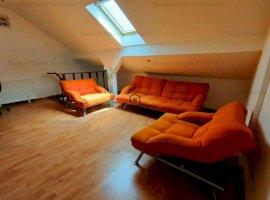 Apartament cu 3 camere, la etajul 4 și 5, în zona Soarelui