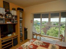 Apartament decomandat cu 3 camere în zona Lidia