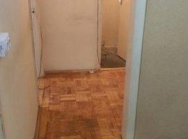 Apartament decomandat cu 3 camere, etaj 1, zona linistita Dacia