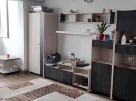 Apartament 3 camere semidecomandat, zona linistita  Cetatii