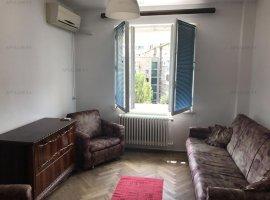 Piata Romana, apartament 2 camere, suprafata 39mp, etaj 6/7, semidecomandat.