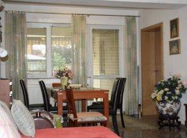 Exclusiv ! Apartament cu 4 camere + curte | DEOSEBIT | Zona Eroii Revolutiei