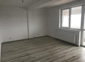 Otopeni, 23 August, apartament 3 camere + curte in proprietate , 79mp, etaj P/3. Toate utilitatile.