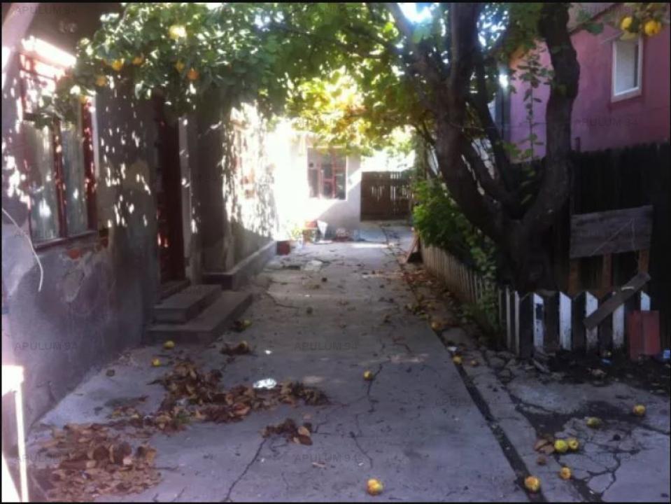 Teren  cu casa renovabila zona Tei