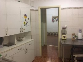 Balcescu stradal apartament 4 camere nemobilat
