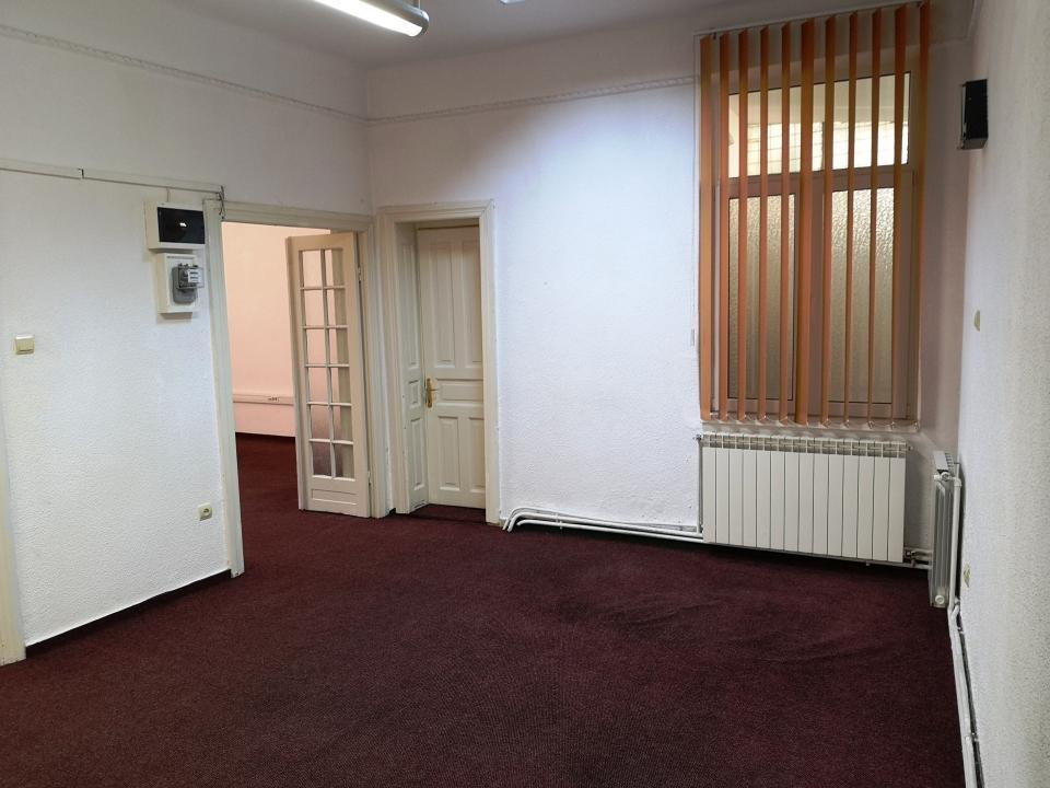 Foisorul de foc 3 camere spatiu birouri