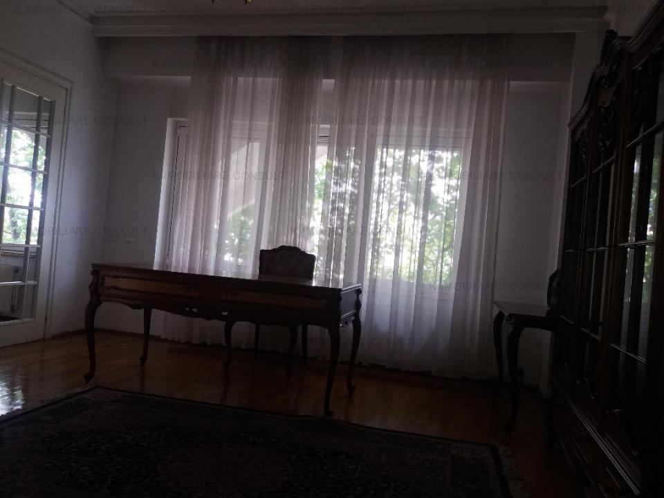 Aviatorilor-Herastrau,apartament cu scara interioara