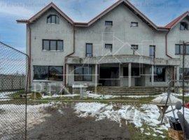Vila Duplex spatioasa si bine compartimentata