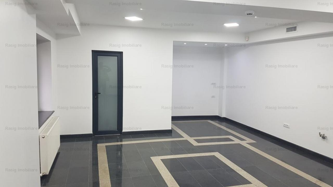 Cladire de birouri Plaza Mall