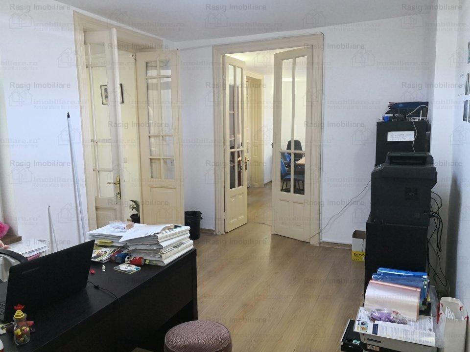Vanzare apartament 4 camere zona victoriei