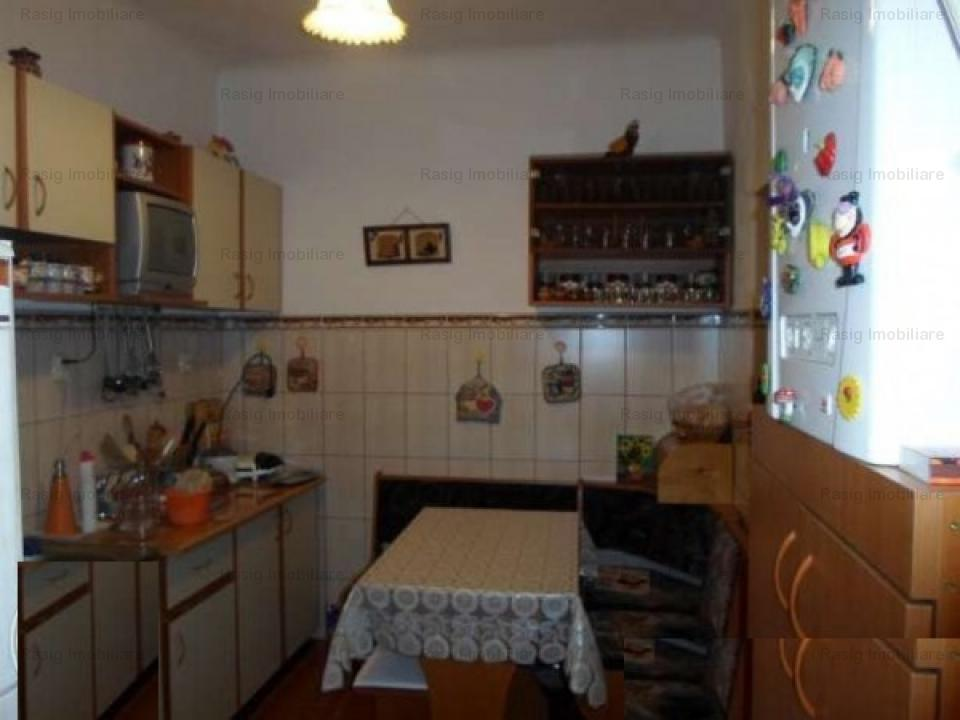 3 camere zona P-ta Chibrit