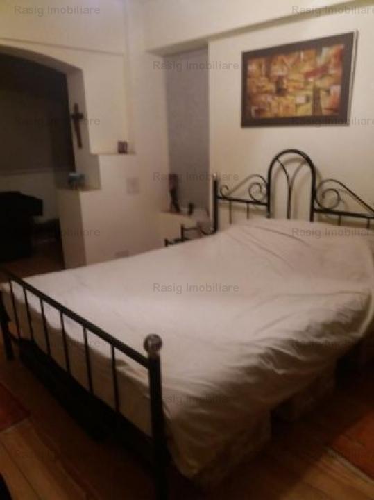 3 camere zona Titulescu- Basarab