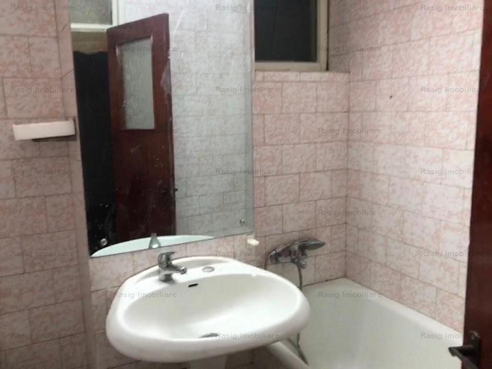Vanzare apartament 3 camere Mihalache