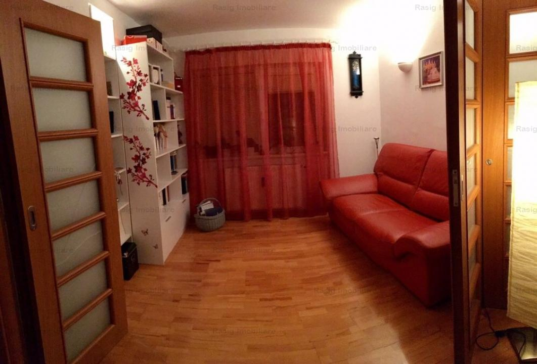 4 Camere zona Decebal