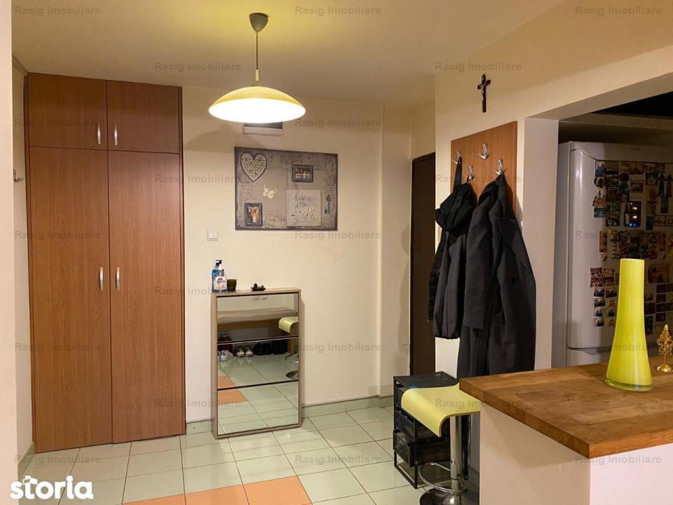 Vanzare apartament 4 camere Crangasi