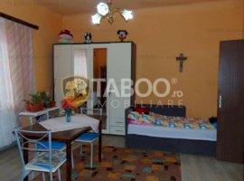 Apartament 2 camere la casa de vanzare in Cisnadie zona Ultracentrala