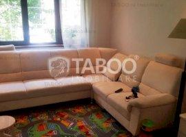 Apartament cu 4 camere decomandate de vanzare zona Vasile Aaron