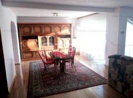 Apartament la casa de inchiriat 3 camere si terasa in zona Sub Arini