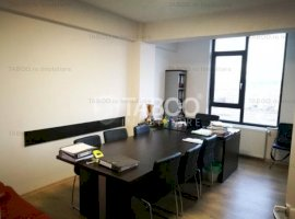 Apartament cu 3 camere 106 mp totali de vanzare in zona Mihai Viteazu