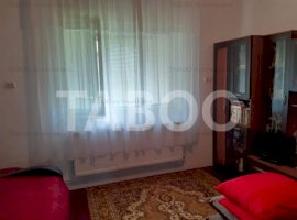 Casa cu 4 camere mobilate si utilate de vanzare in Fagaras