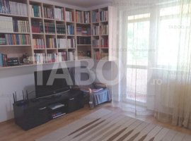 Apartament utilat si mobilat 3 camere balcon Strand Sibiu COMISION 0%