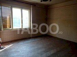 Apartament spatios 3 camere la casa de vanzare in Sibiu zona Centrala