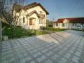 Vila 5 camere + casa 3 camere, teren 1005 mp, padure Saftica