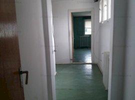 Apartament 2camere cf2sporit cu  balcon  6/10