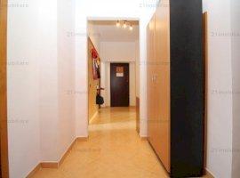 Nerva Traian, apartament 3 camere, decomandat, etaj 5/9, intrare stradala