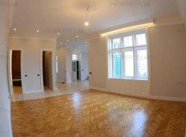 Apartament clasic, cu finisaje de exceptie, situat in inima Aradului