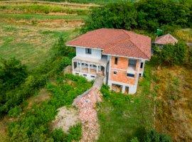O vilă unde vă puteți găsi liniștea de acasă