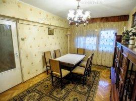Apartament 4 camere în zona Polivalentă