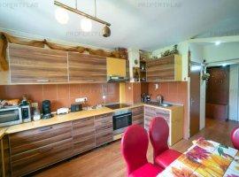 Apartament cu 3 camere, decomandat, în zona Romanilor