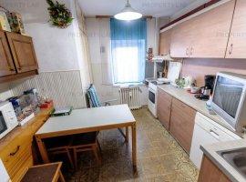 Apartament cu 4 camere de vânzare în zona 6 Vanatori