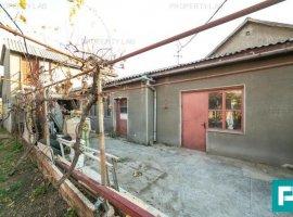 Casă cu teren de 1055 mp în Vlaicu